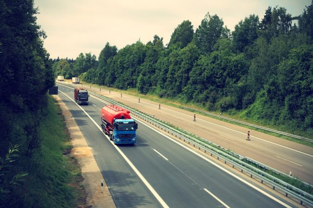Cum se calculează prețul unui transport marfă?